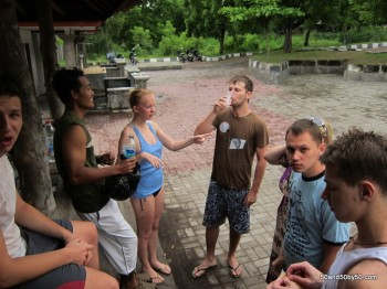 Drinking Arak (the liquor of choice in Bali) with my new friends from Russia (Siberia!).