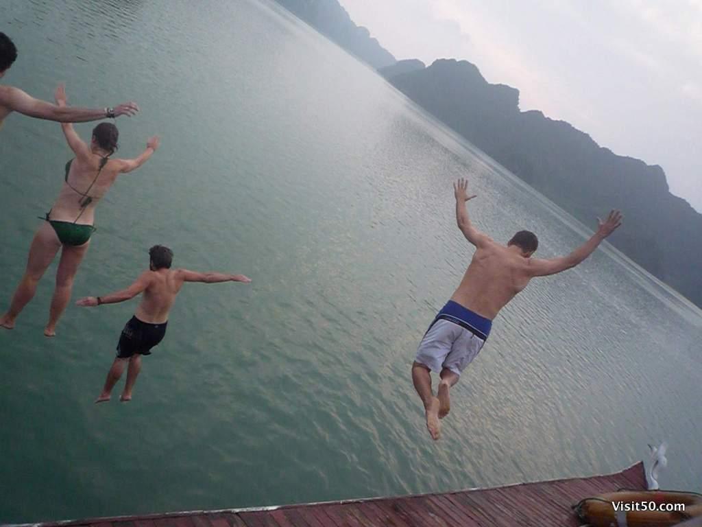 me vietnam halong bay boat jumping visit50com